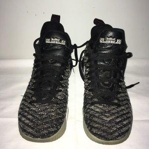 Nike Lebron 16 Men's Sz. 8